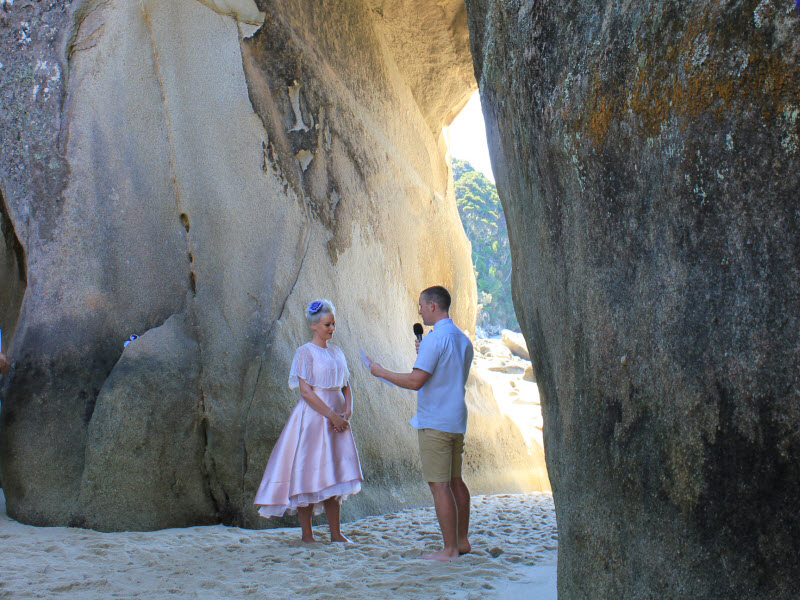 Dan and Lauren at Tonga Arches in the Abel Tasman National Park